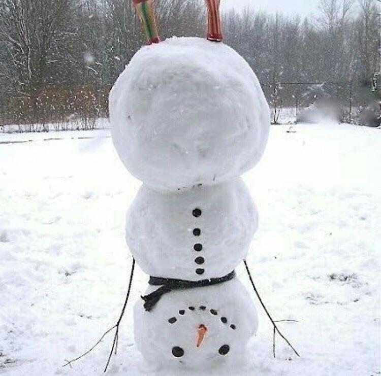 برف بازی و ساخت آدم برفی